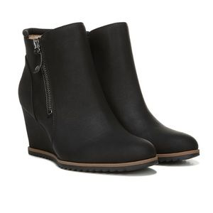 Naturalizer Soul Hailey Suede Ankle Bootie